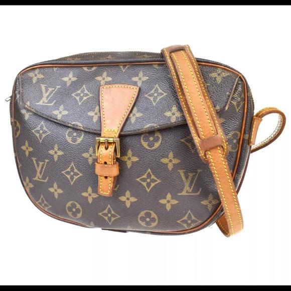 Louis Vuitton Handbags - 💯 Authentic Louis Vuitton Jeune fille